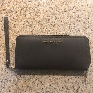 Micheal Kors Brown Leather Continental Wallet